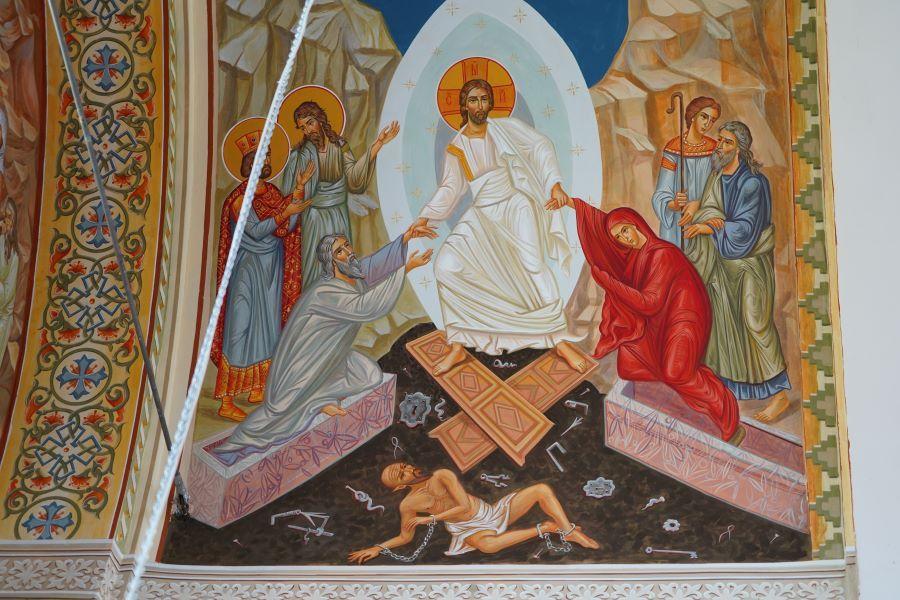Нови стенописи в храм Свети Дух разказват за Възкресението